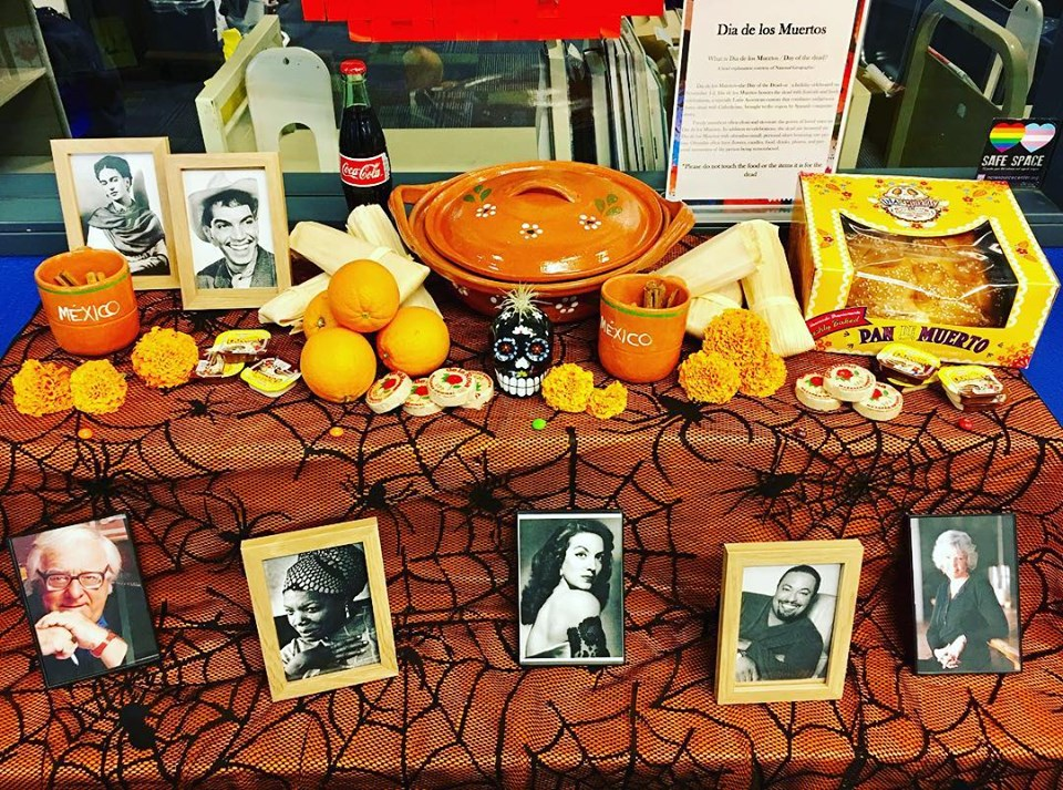 Day of the Dead: Altar de Ofrenda