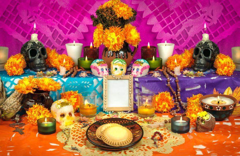 a Dia de los Muertos alter