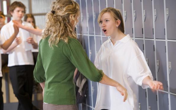 Girls-Confrontation2