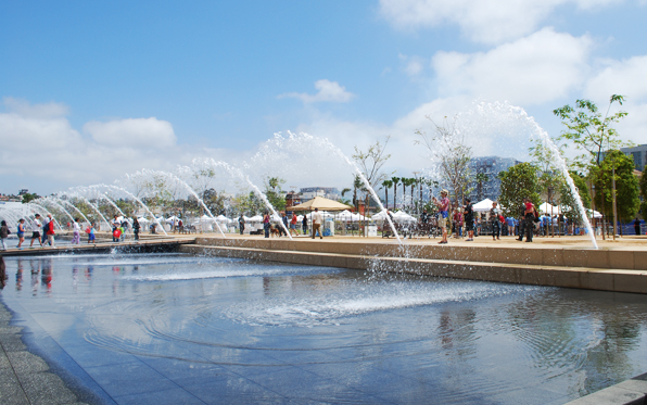 WaterfrontParkopening_Northside_Fountains