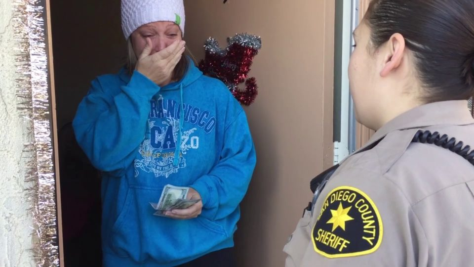 Sheriff's Deputies Spread Holiday Cheer