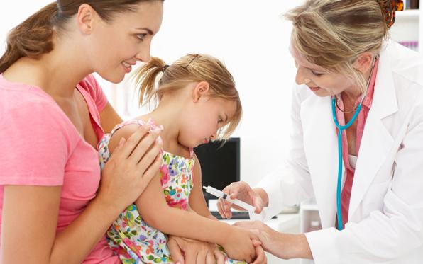 vaccination-mother-littlegirl